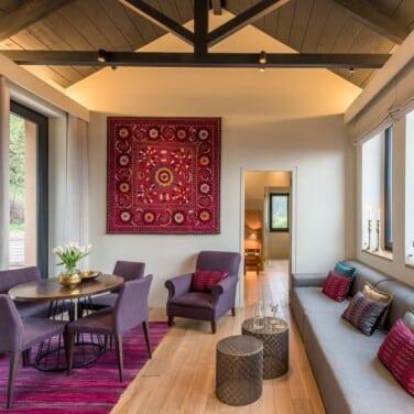 byzantium_suite_living_room1_resized