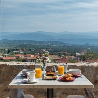Executive Suite Breakfast at the Balcony with Sparta Valley View